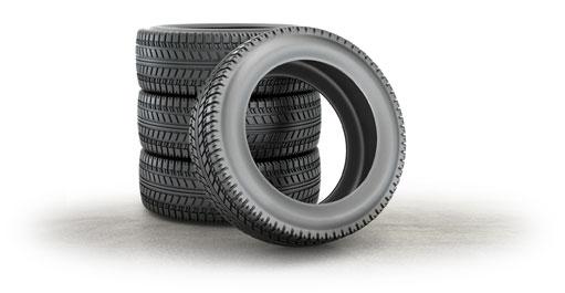 Stapel von Auto-Reifen